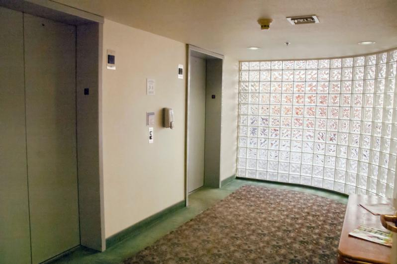 Kirkland III Elevators